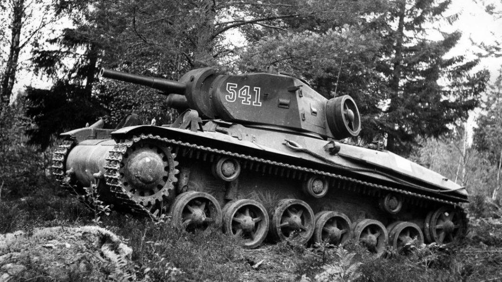 Strv m/42