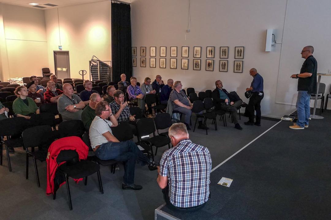 Diskussion om föreningens spännande framtida inriktning. Foto: Thorleif Olsson