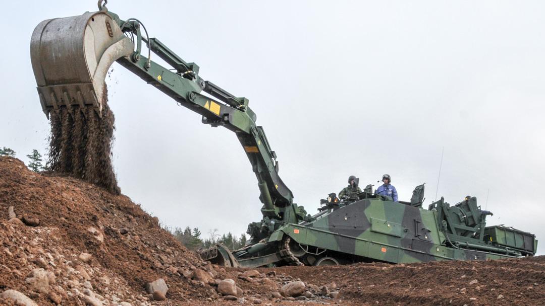 Ingbv 120, grävaggregat med grävskopa monterad, Foto: Stefan Söderberg