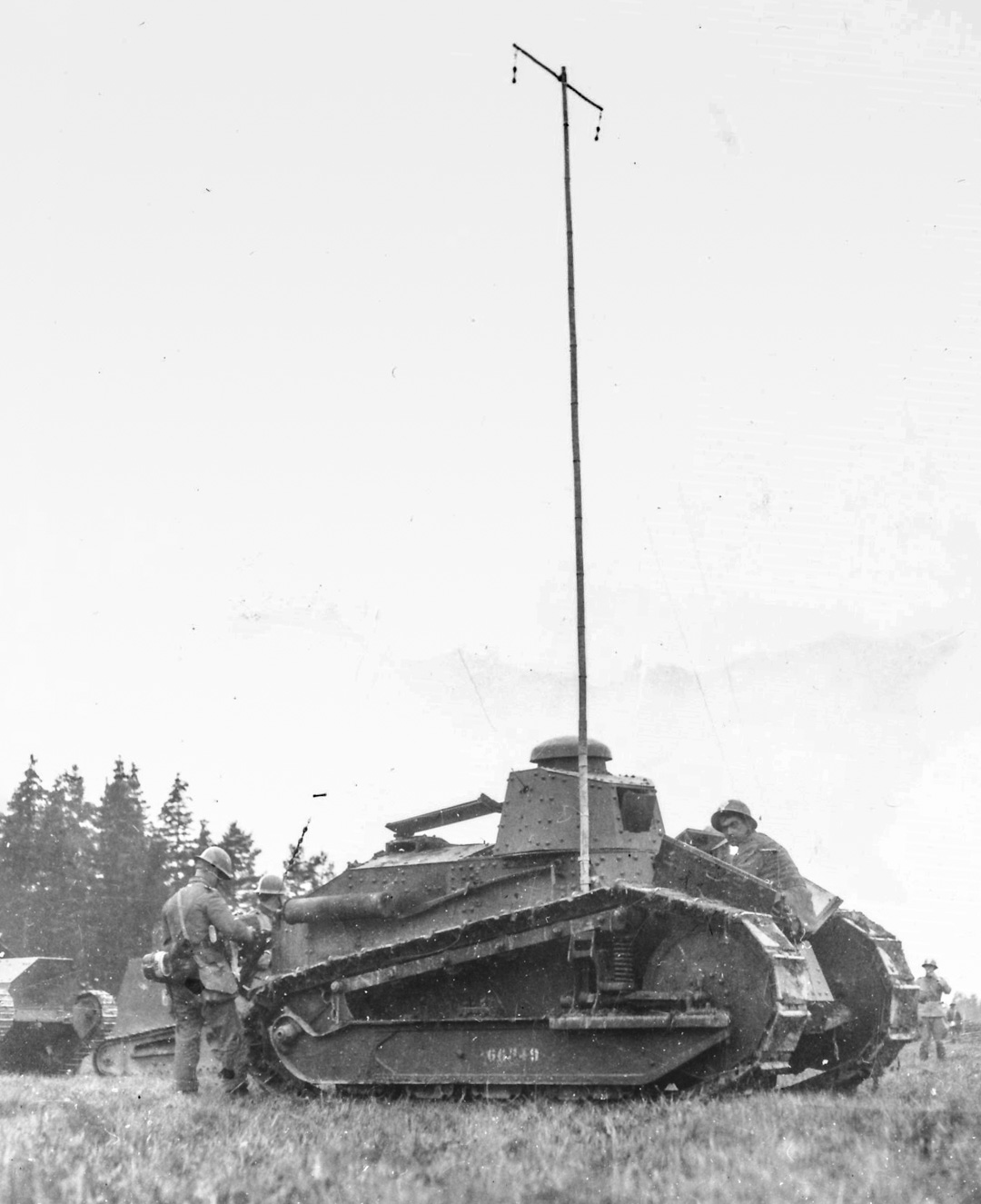 Renault FT tank with radio antenna of bamboo. Note that the gun is unmounted.